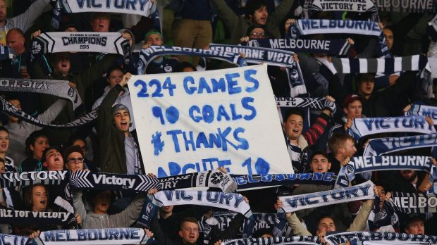 Victory fans pay tribute to Thompson.