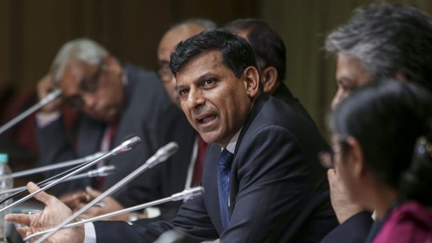 Reserve Bank of India governor Raghuram Rajan says cutting interest rates should impel people to spend.