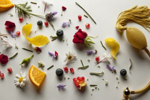 A few natural ways to leave your home smelling sweet.