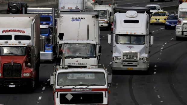 Trucks will be banned from the far-right lane of the Monash Freeway during a nine-month trial.