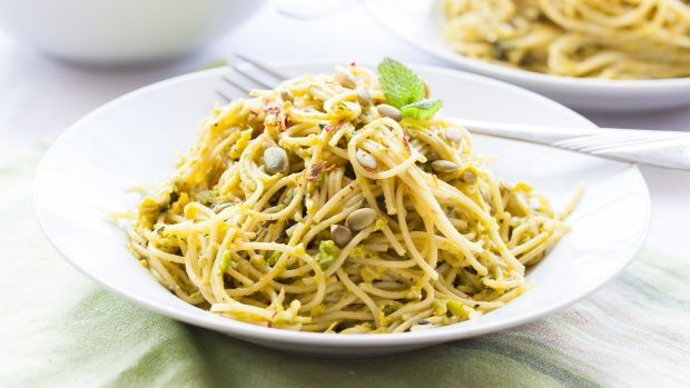 Pasta may not be the thing to cut if you want to lose weight.