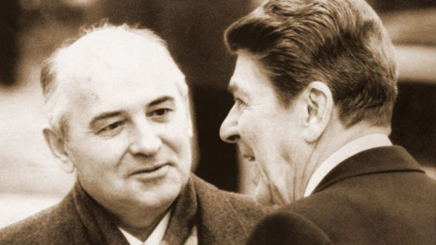 Governing in pastels: Ronald Reagan with Soviet leader Mikhail Gorbachev in Switzerland, 1985.