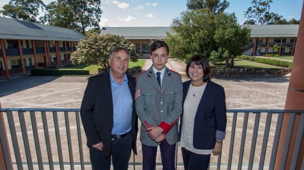 Stuart Kelly with his parents Ralph and Kathy.