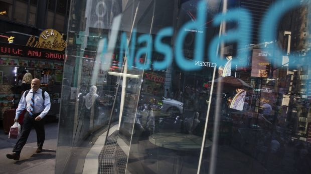 Computer glitch lists several Nasdaq tech stocks at same price