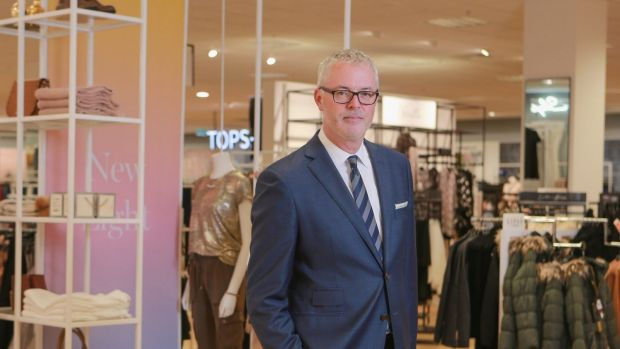 Myer cuts profit guidance after Topshop disaster; deputy CEO leaves
