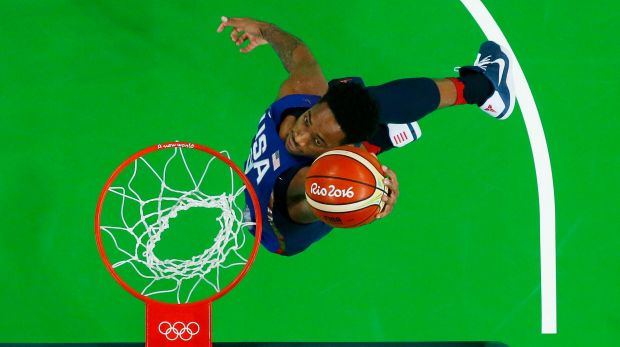Above the rings: Demar DeRozan dunks at Carioca Arena.