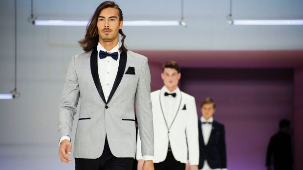 More than a penguin suit ... tuxedos are taking a modern twist this season.