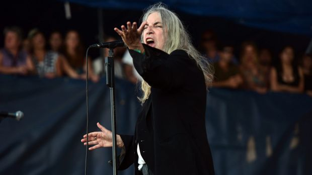Patti Smith fumbled through her performance at the Nobel Prize ceremony.