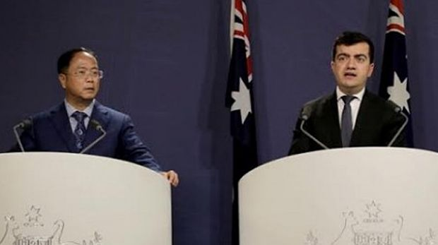 Huang Xiangmo and Sam Dastyari at a media conference for the Chinese community in Sydney last year.