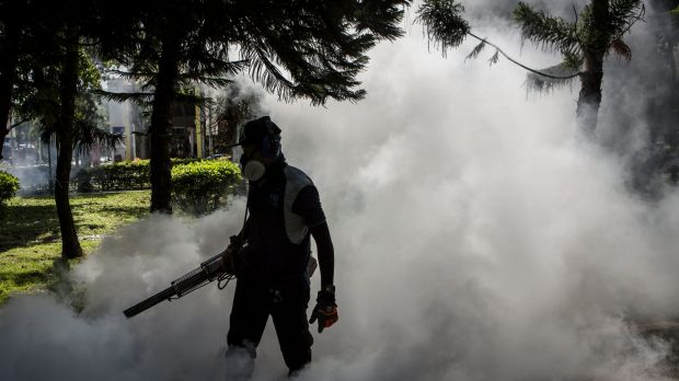 Singapore raised the number of Zika cases as government agencies stepped up efforts to control the mosquito-borne virus.