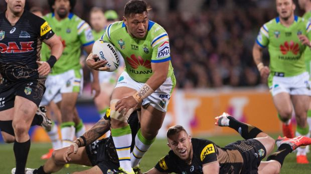 On the charge: Josh Papalii makes a clean break.