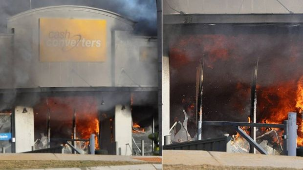 The Mandurah Cash Converters goes up in flames.