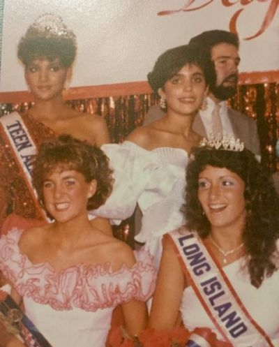 Bethenny Frankel shared this picture of her losing the 'Miss Teen Long Island' beauty pageant to none other than Halle ...