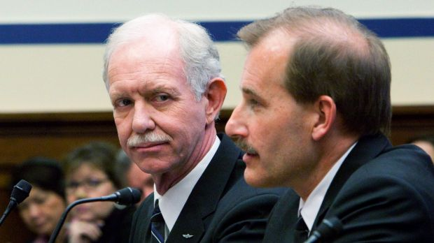 'Tache team: Captain Chesley  Sullenberger. who made an emergency landing in New York's Hudson River in 2009, with First ...