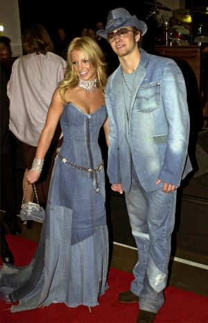 Britney Spears and Justin Timberlake stole the show at the 2001 American Music Awards with these outfits.