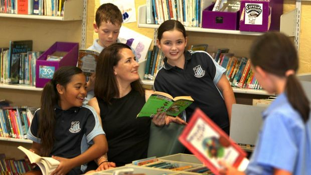 Minister backs national literacy and numeracy checks for year 1 students