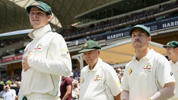 Australia's top players, including Steve Smith (left) and David Warner (right), are unwilling to sign new contracts ...