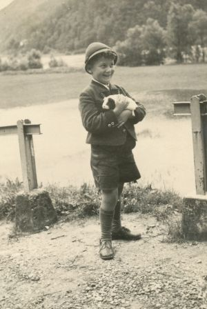 "Walter Glaser as a child. His family nickname was ""Igo""."
