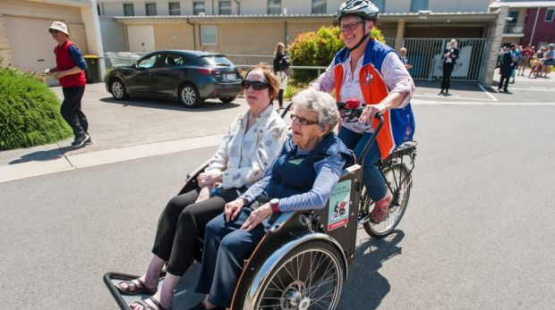 Pedal Power's Collen Laugesen take IRT Kangara Waters residents Anke Burns and Beth Hanrahan along for their Cycling ...