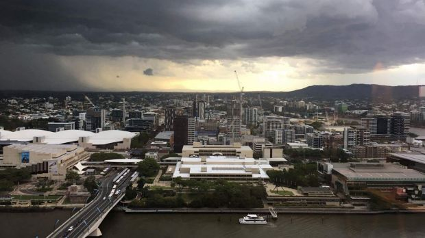 A view of the severe thunderstorm as it approaches Brisbane CBD.