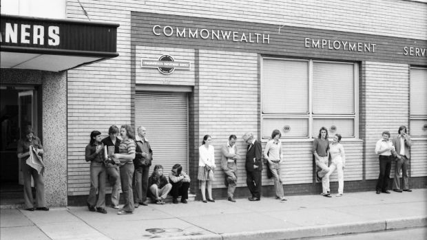 Job seekers queue outside the Crows Nest CES in 1974.