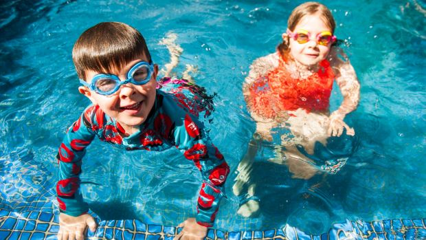 School Swimming Lessons On The Fall In Act