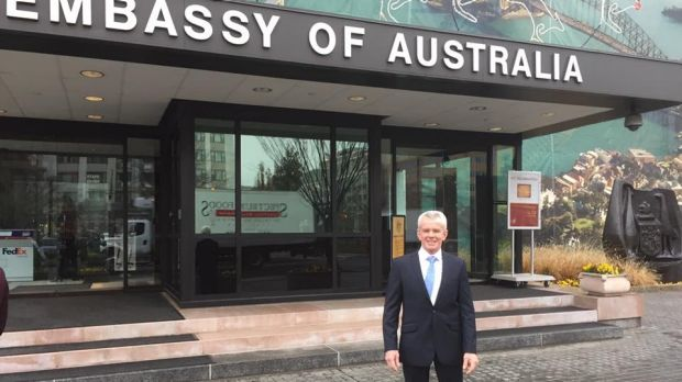 Malcolm Roberts met with US ambassador Joe Hockey ahead of spending Christmas with his wife's family.