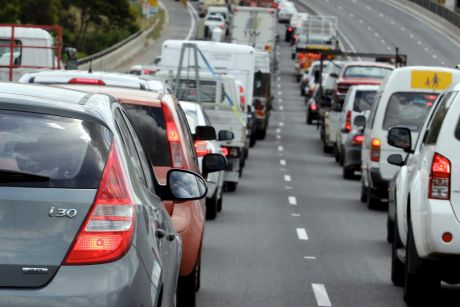 A series of crashes saw the Riverside Expressway and Pacific Motorway clogged heading south.