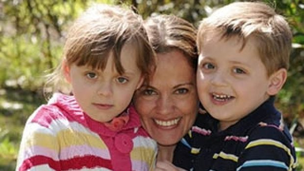 Maria Claudia Lutz and her children.
