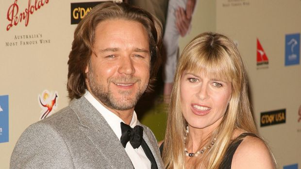 Are Russell Crowe and Terri Irwin romantically linked? According to women's magazines, they're planning a wedding