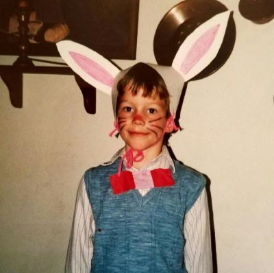 It may be Christmas, but Chris Pratt threw it right the way back to Easter with this childhood snap on Instagram.