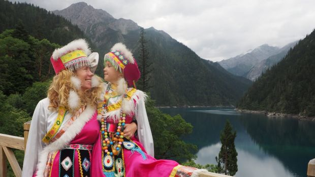 Evie Farrell with her daughter Emmie at Jiuzhaigou in China