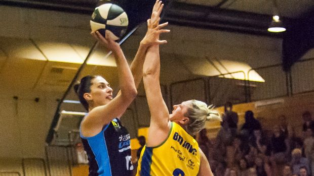 Canberra Capitals Marianna Tolo is Europe-bound and wants to send co-captain Carly Wilson out on a winning note.