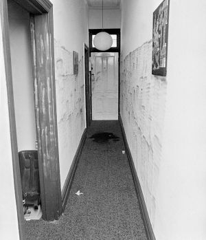 The hallway where the body of Susan Bartlett was found near the front door.