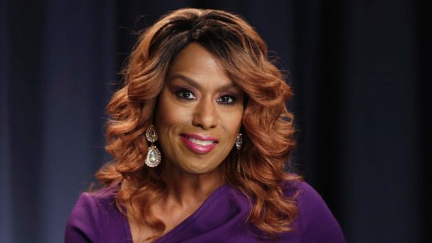 """Actress and singer Jennifer Holliday backed out and apologised for her """"betrayal"""" of her gay and lesbian fans."""