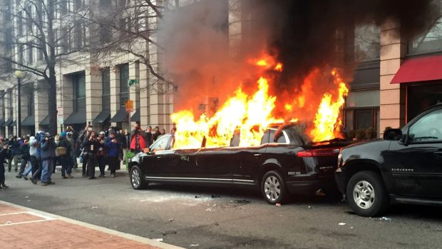 Web hosting firm DreamHost fights order to ID anti-Trump protesters