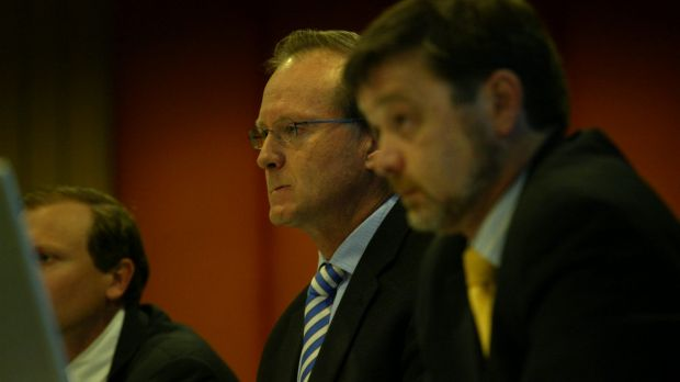 Andrew Wily (centre) and David Hurst (right) at a creditors meeting in 2008.