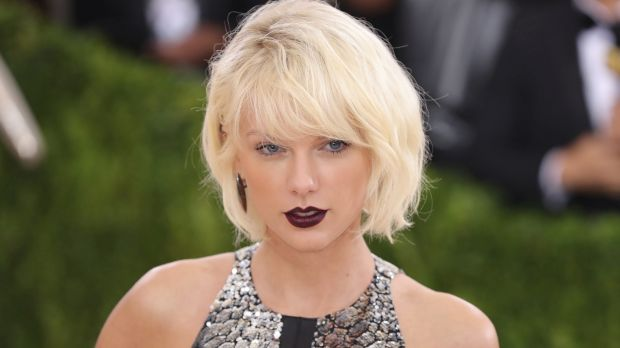 The dark lipstick shades that celebrities are obsessing over
