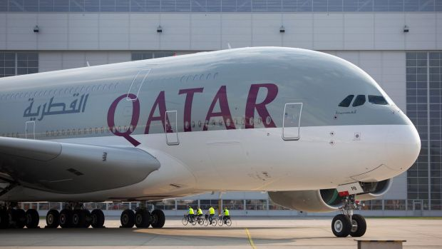 Qatar Airways seeks 10% stake in American Airlines