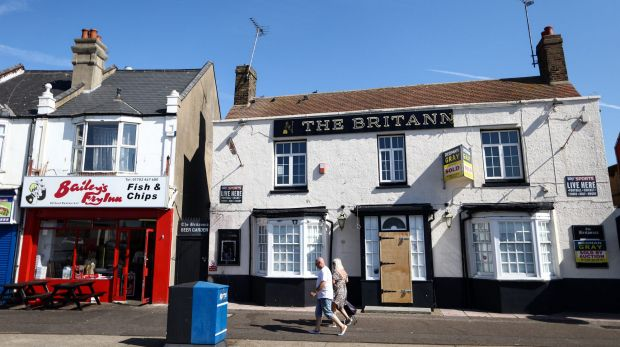 struggling british pubs are trying urban axe