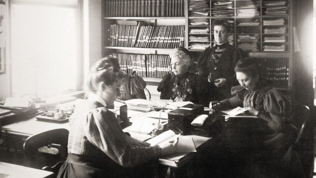 Williamina Fleming had a supervisory role over the female 'computers' at the Harvard Observatory.