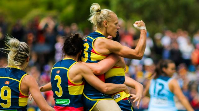 AFLW player Erin Phillips has called time on her glitterig basketball career.