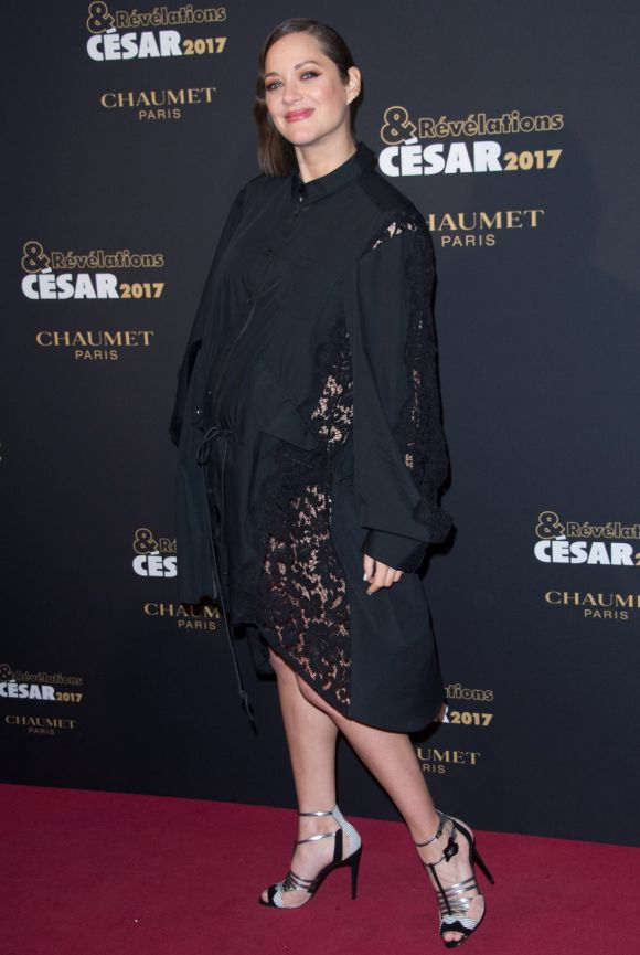 Following reports that Marion Cotillard was having an affair with her Allied costar Brad Pitt, the actor shut down those ...