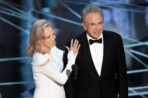 Faye Dunaway and Warren Beatty steal the show.