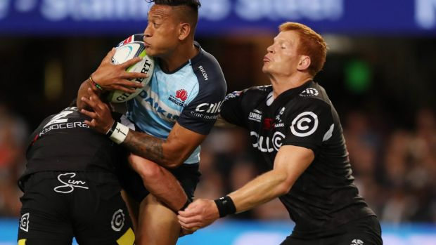 Israel Folau scored two tries in defeat for the Waratahs.