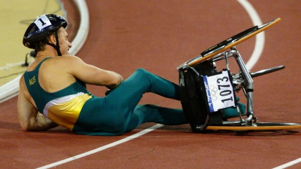At the Sydney Olympics in 2000, John Maclean crashes out in the 1500m wheelchair final.
