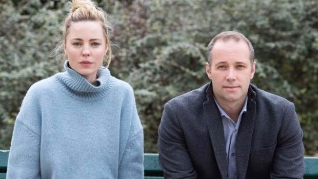 Melissa George with <i>Sunday Night</i> reporter Steve Pennells.