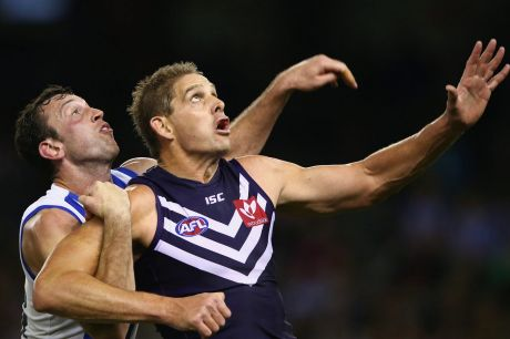 Aaron Sandilands will play on at the Dockers in 2018.