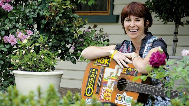 When singer Sam Aulton died, her family chose an unconventional funeral using a new service called Picaluna.