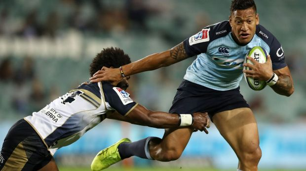 Stuck in the middle: Israel Folau of the Waratahs